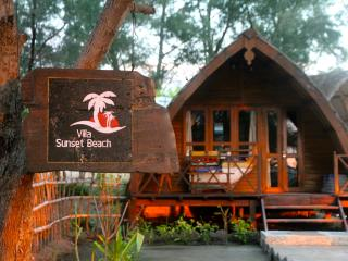 Beachfront, Sunset Beach Bungalow - Gili Trawangan vacation rentals