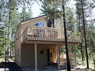 Escape to Sunriver With Your Loved Ones. Within Walking Distance to SHARC - Sunriver vacation rentals