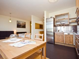 LUX studio next to metro and Old Town! Arkadia 4 - Warsaw vacation rentals