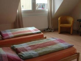 Vacation Apartment in Oberhausen - central, peaceful, comfortable (# 5323) - Oberhausen vacation rentals