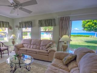 Great Price~Great Oceanfront View for this 2 BR! - George Town vacation rentals