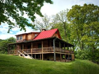 River House - 2 bed pet friendly home located within Meadow Lane. Gorgeous wraparound porch and access to fabulous amenities - Hot Springs vacation rentals