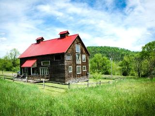 The Granary - A wonderful 4 bed restored barn situated within Meadow Lane. Sleeping porch and access to numerous activities - Shenandoah Valley vacation rentals
