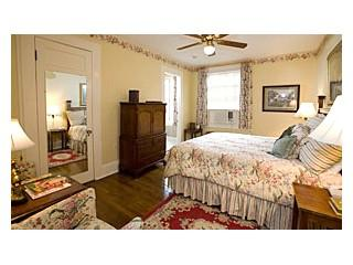 Standard room within The Mansion at Greystone Inn on Lake Toxaway. This charming guest room boasts lake or garden views. - Image 1 - Lake Toxaway - rentals