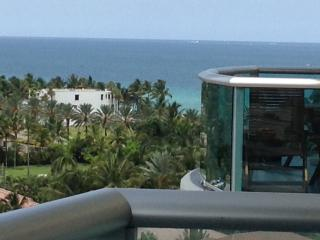 Luxury 2Bed Apartment one step away from the beach/OCEAN VIEW - Sunny Isles vacation rentals