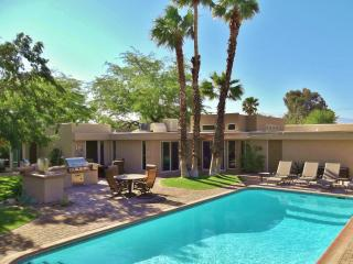 Gorgeous Mid-Century Oasis w/ Major Outdoor Living - Palm Springs vacation rentals