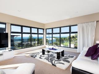 SEAVIEWS AT MARENGO BEACH - Victoria vacation rentals