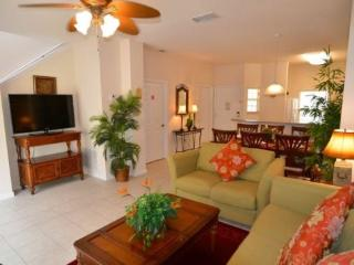 3 Bedroom 2.5 Bathroom Townhome With Pool in Encantada Resort - Disney vacation rentals