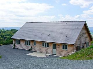 GLENTRAMMAN LODGE, quality pet-friendly lodge, superb views, stabling available, near Welshpool Ref 904606 - Mid Wales vacation rentals