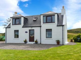 SEAVIEW, sea views, WiFi, child-friendly cottage near Portree, Ref. 915805 - Portree vacation rentals