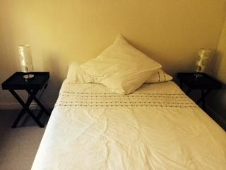 Sea point - Modern, central, safe, lock up and go - Sea Point vacation rentals
