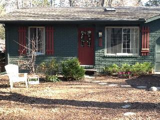 Pine Garden Cottage - Sawyer vacation rentals