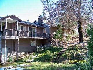 Yosemite .  Bass Lake Badger Ski  Tenaya sleeps 14 - Yosemite Area vacation rentals