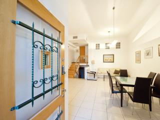 5 BEDROOM TOWNHOUSE in CENTRAL RECHAVIA, Jerusalem - Jerusalem vacation rentals