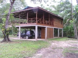 ISLAND HOUSE, TROPICAL PARADISE - Bocas Town vacation rentals