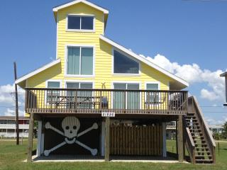 Clear beach views, 50 yards from water - Texas Gulf Coast Region vacation rentals