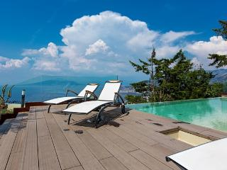 Lovely 6 bedroom villa with private pool Sorrento - Sorrento vacation rentals