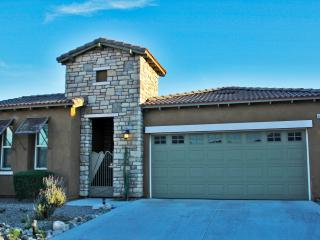 Exactly 10 miles from downtown PS & Half the price - Desert Hot Springs vacation rentals