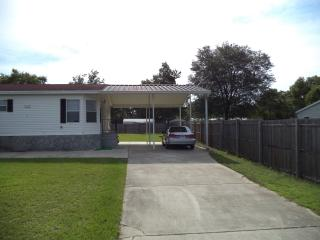 Great 3/2 Mobile w/RV sized carport - Belleview vacation rentals