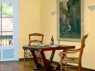 Annecy Suite: Charming 1BR apt w/ King-sized Bed - Annecy vacation rentals