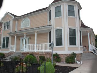 Beautiful Home only 1 mile from the Stadium - State College vacation rentals