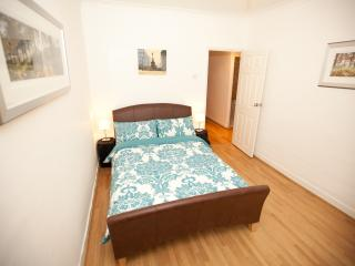 """DISCOUNTED"" Edgware Road, London (West End) - London vacation rentals"