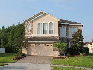 Excellent home, with 6 TVs, PlayStation 3, WiFi, private pool and more! - Kissimmee vacation rentals