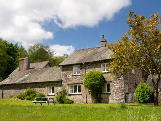 JUBILEE, en-suite, open fire, heated pool and fishing, pet-friendly cottage in Graythwaite, Ref. 914060 - Hawkshead vacation rentals