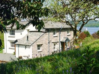 HILLTOP, en-suite bedroom, open fire, pet-friendly cottage in 5000 acres of shared grounds, Graythwaite, Ref. 914068 - Hawkshead vacation rentals