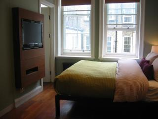 Extremely Central Gem, A Short Walk Away From The Famous Charlotte Street Area - London vacation rentals
