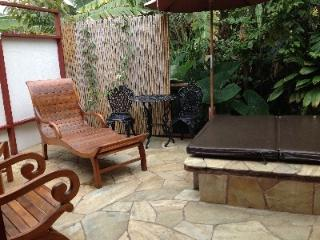 Summer Special !! $75.00 Per Night (8+ Nights) - Kona Coast vacation rentals