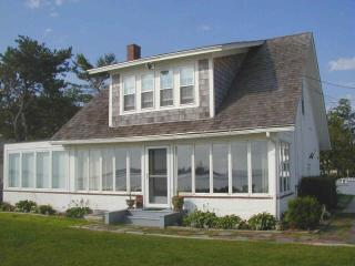 OCEANFRONT! Spectacular scenery. Sleeps 10 - Biddeford vacation rentals