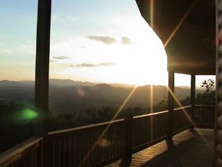 Soaring Eagle Retreat 2600 sqft Awesome Views,WIFI - Murphy vacation rentals