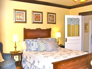 Oakland Cottage - A B&B - reserve a guest room! - Asheville vacation rentals