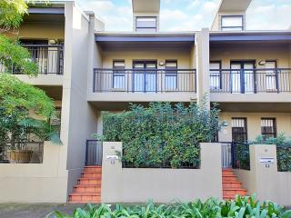 Modern Townhouse - Perfect For Families - Sydney vacation rentals