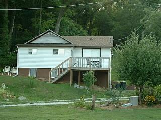 Mississippi Hillside Cabin - Iowa vacation rentals