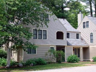 Luxury Brookside Townhouse at Cranmore Mountain - White Mountains vacation rentals
