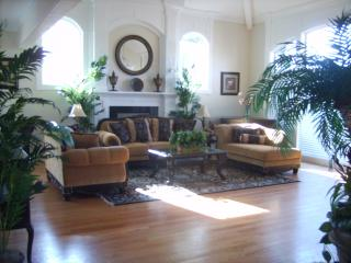Spacious Villa For a Large Group - Seattle Metro Area vacation rentals