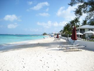 SEVEN MILE BEACH : FALL 2014 SPECIAL !!!! - George Town vacation rentals