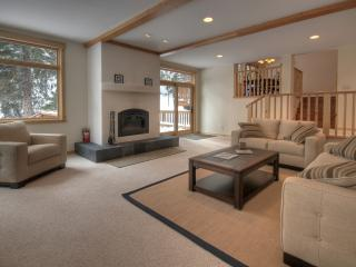 STUNNING NORTH LAKE TAHOE VACATION RENTAL HOME - Carnelian Bay vacation rentals