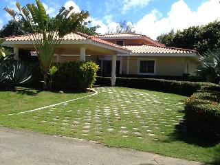 Beautiful 3 bedroom villa at golf course! - Punta Cana vacation rentals