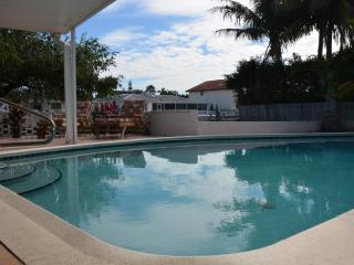 Sept SPECIALS Vacation Home Rental Hibiscus! - Lighthouse Point vacation rentals