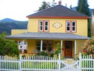 Welcome to the Guesthouse! - Kelly Toole    Cathy Ann Glockner