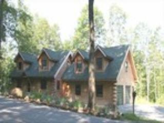 Village Log Home Apartment in Woodstock Vermont - Image