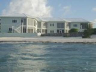 Oceans Edge Grand Cayman Luxury Condo - Image