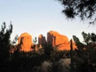Cathedral Rock Lodge & Retreat Center Manager - Image