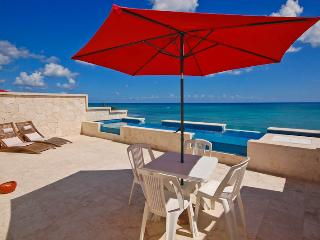 Casa Coral.  One of the newest properties on the beautiful beacues of Jade Bay, Akumal, Mexico. - Akumal Direct Reservations