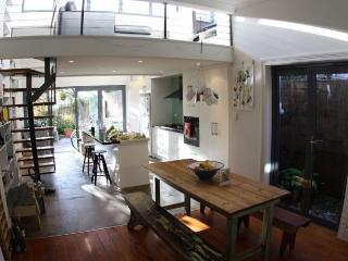 Holiday rental in inner Sydney - Nick Aura Travel