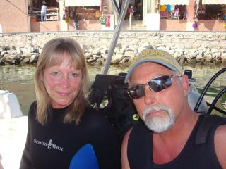 Scuba diving off Cabo San Lucas - Mike and Julie