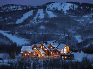 Lookout Lodge - Private Vacation Home - Sleeps 16 - Moving  Mountains